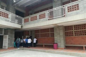 Alcaldía entregó tres colegios remodelados en el oriente de Cali