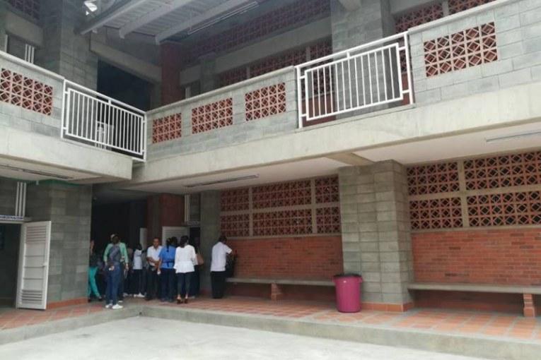Alcaldía de Cali entregan tres colegios remodelados