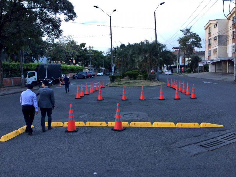 Secretaría de Movilidad estudia cambio vial en el barrio Salomia, norte de Cali