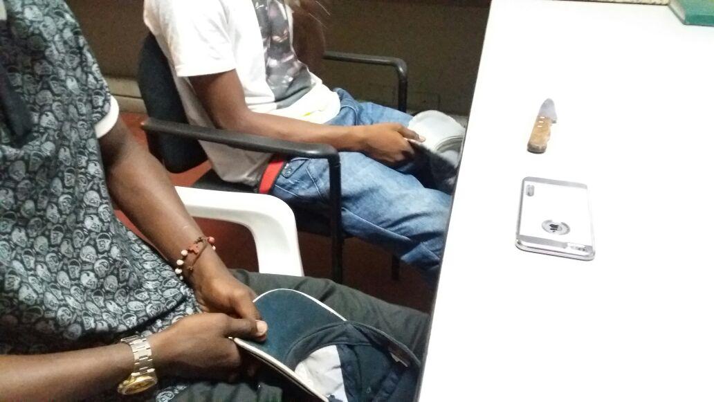 Capturan dos menores que habrían herido a ciudadano francés por robarle el celular
