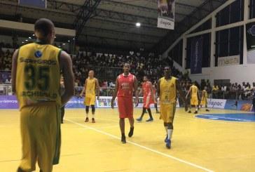 Cimarrones derrotó a Fastbreak en el primer juego de la final de baloncesto