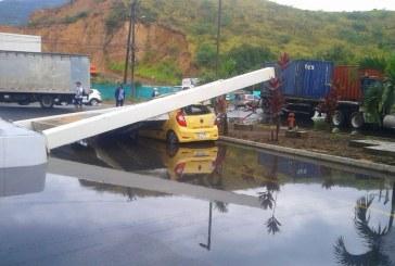 Fuerte vendaval en Dapa, Cerrito y Yumbo dañó techos de casas y causó inundaciones