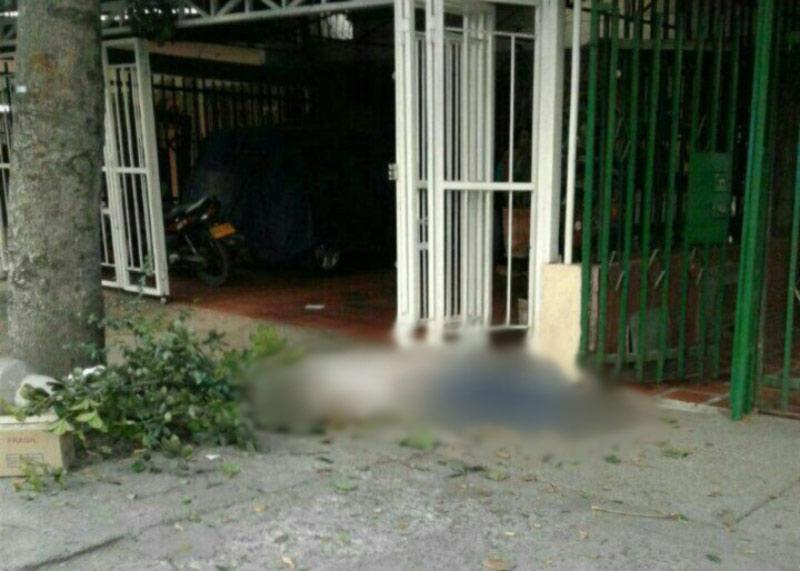 Hombre falleció electrocutado mientras podaba un árbol en Ulpiano Lloreda