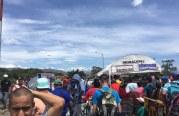 """Nuevas medidas por """"avalancha"""" de venezolanos en frontera sur de Colombia"""
