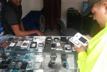 Policía de Cali cerró 51 establecimientos tras operativos contra hurto de celulares