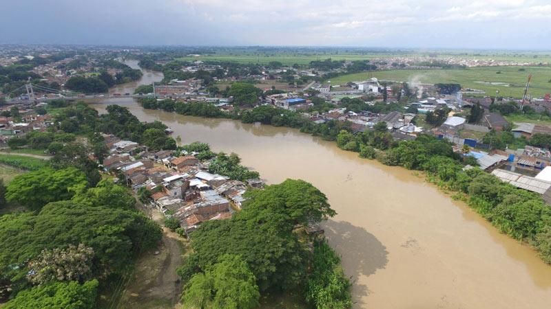 Avanza demolición de viviendas por restitución en sector de Brisas del Cauca