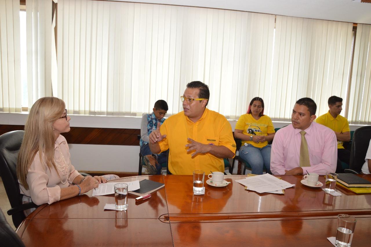 Taxistas solicitan apoyo a la Gobernación del Valle para facilitar movilidad en los municipios