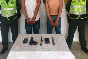 Hombres que robaron a taxista con arma de juguete fueron detenidos por la policía