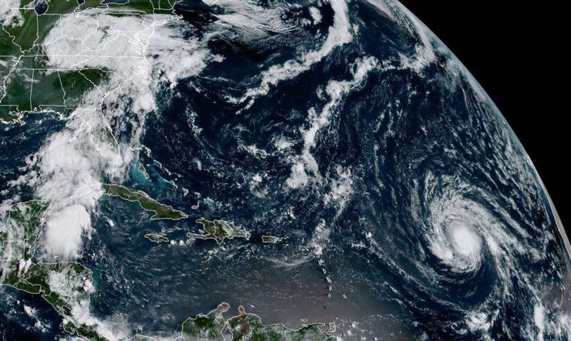 Abren canales de atención para colombianos en zonas de huracanes