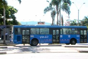 Hasta materia fecal han encontrado quienes limpian a diario los buses del Mío