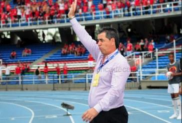 """""""A nosotros no nos garantiza absolutamente nada el partido del jueves"""" : 'Polilla' Da Silva"""