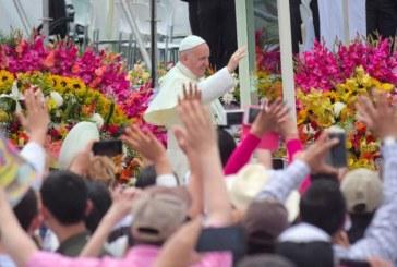 ¡Queridos 'paisas'! Así inició el Papa sus palabras ante religiosos en Medellín