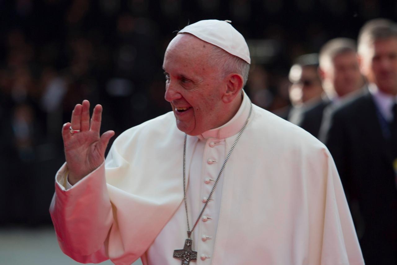 Maduro pide al papa Francisco que ayude a facilitar diálogo en Venezuela