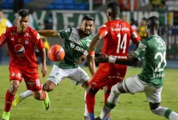 Agridulce empate sin goles entre equipos caleños: América se alejó del descenso