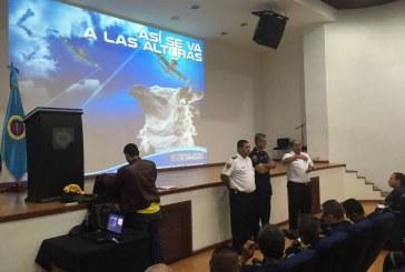 La FAC dictó curso para aeronaves que combaten incendios forestales en el Valle
