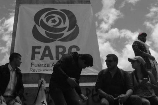 Farc deben ir a la JEP antes de ejercer la política: familiares de los diputados