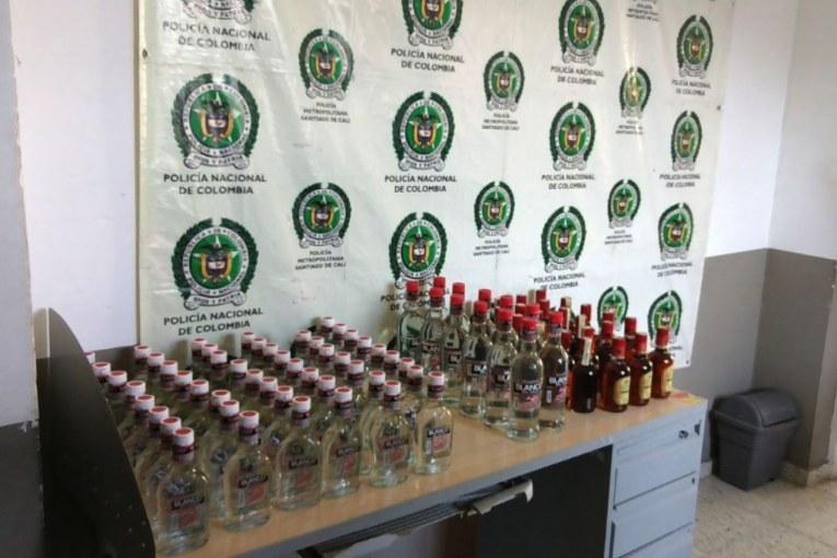 La Policía incauta más de 1400 botellas de licor de contrabando en Palmira, Valle del Cauca