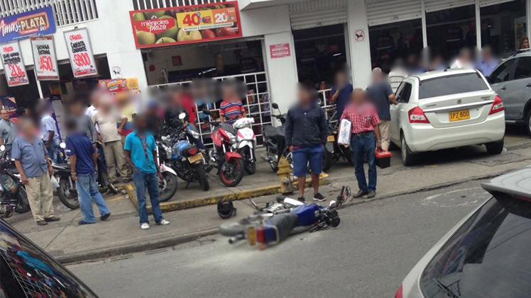 Justicia por mano propia: en medio de turba apuñalaron a presunto ladrón en Alameda