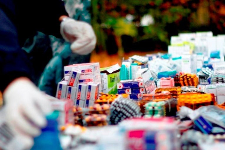 Incautan medicamentos vencidos o fraudulentos en el centro de Cali