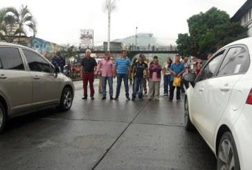 Gran congestión generó bloqueo de usuarios de EPS Comfenalco en la Calle Quinta