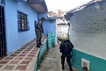Gobernadora pide articulación de Ejército y Policía para mejorar seguridad en Cali