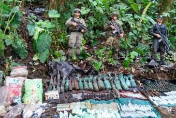 Fuerza Pública localizó tres depósitos ilegales con material de guerra en Tumaco