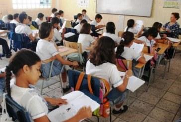 Padres de familia del colegio La Esperanza denuncian problemas en el arranque de clases
