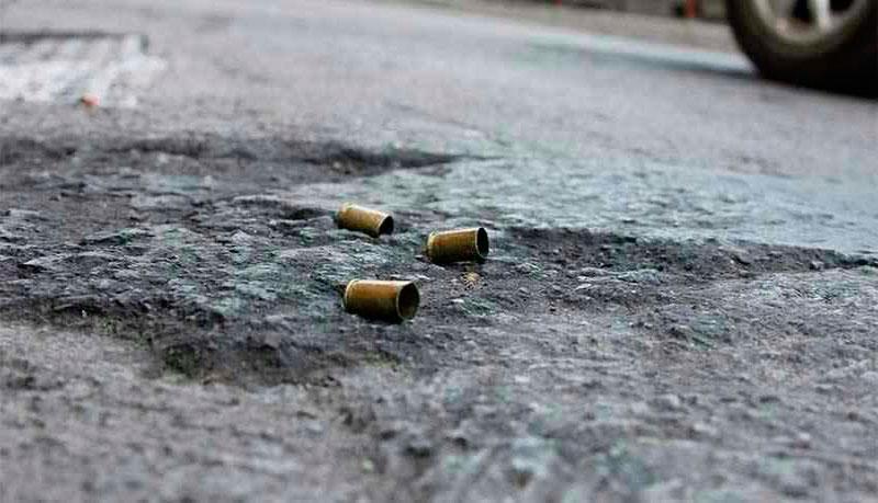 Un muerto dejó atentado sicarial a pareja que se movilizaba en moto en Buga