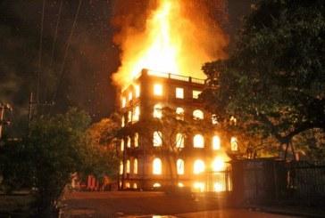 Incendio consumió edificio considerado patrimonio arquitectónico de Cali