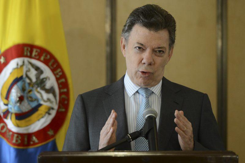 """""""No se ha bloqueado la venta de medicinas y alimento para Venezuela"""": Presidente Santos"""