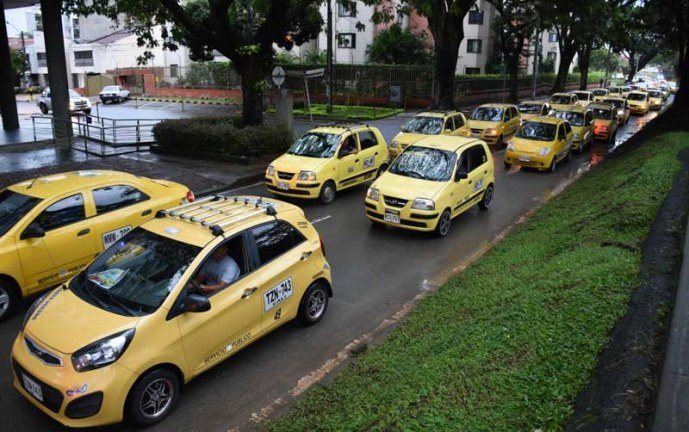 Gremio de taxistas en Cali marcharon ante inconformidad por medidas de pico y placa en la ciudad