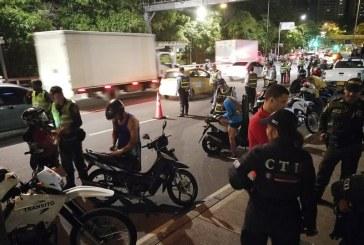 Tres muertos, caravanas ilegales y más de 600 multas dejó la celebración de Halloween en Cali