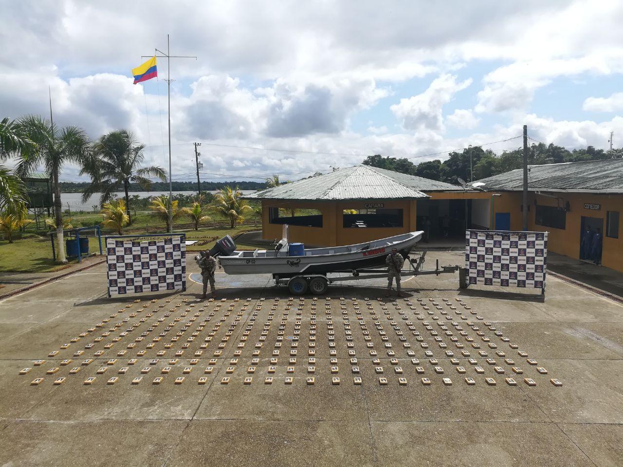 Armada Nacional incauta en aguas del Pacífico más de 300 kg. de alcaloides