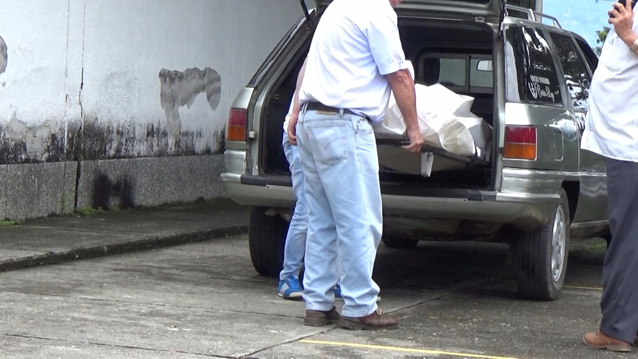 Dos personas fueron asesinadas con arma blanca en Caicedonia