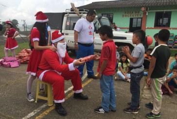 Campaña 'Un Regalo, Una Sonrisa' ya entregó 600 donaciones en corregimiento La Paz