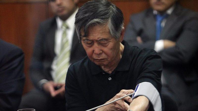 Opinión pública peruana indignada por comodidades de Fujimori en prisión