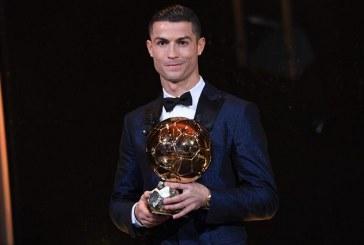 Cristiano Ronaldo recibió su quinto Balón de Oro e iguala a Lionel Messi