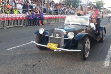 Feria de Moda: 'retro', 'vintage' y sombreros en los autos clásicos y melómanos