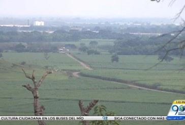 Campesinos de Jamundí reclaman que vía privada los obliga a hacer largos desvíos
