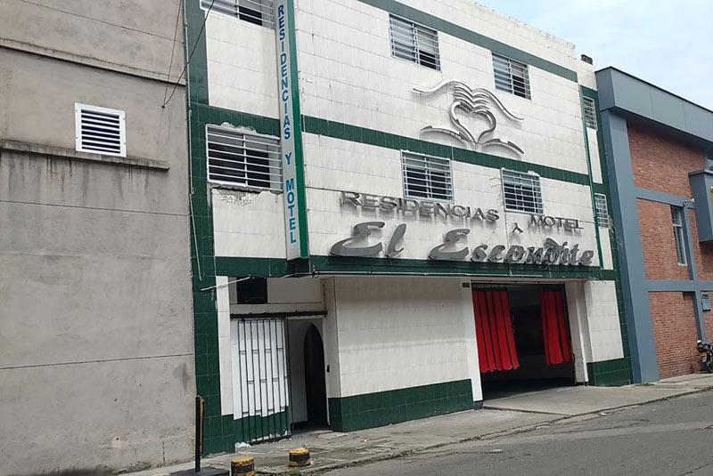 Hallan cuerpos sin vida de una pareja en habitación de Motel del barrio San Nicolás