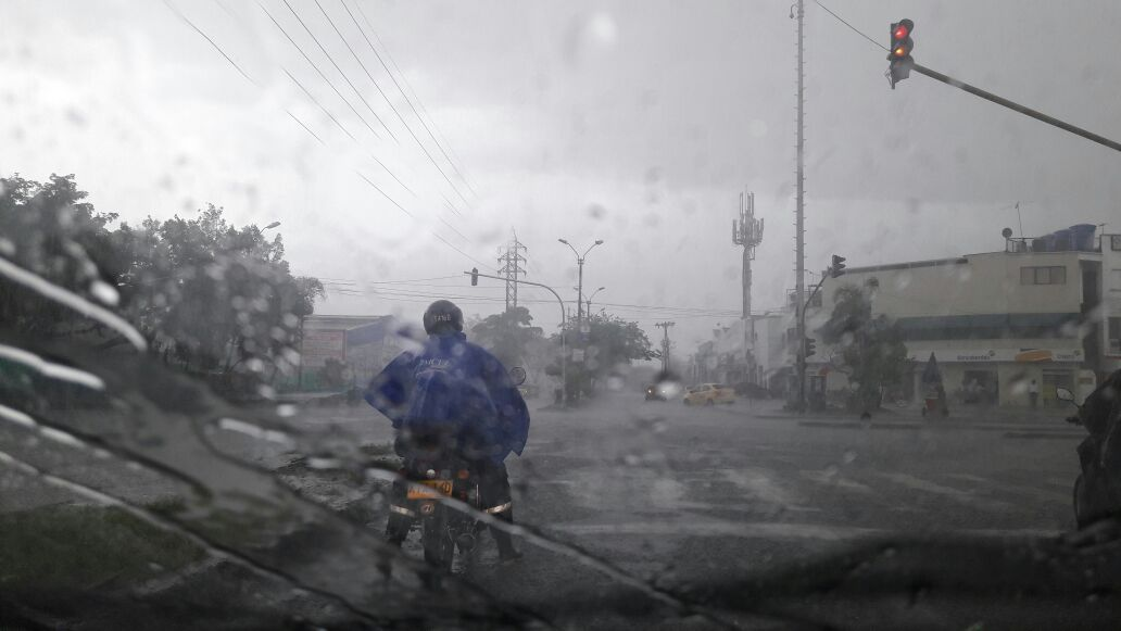 Autoridades alertan por incremento de enfermedades respiratorias por lluvias en Valle