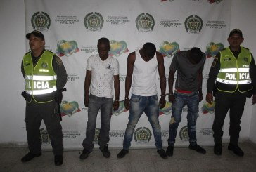 Cárcel para tres hombres acusados de robar a doce pasajeros de un bus en Cali