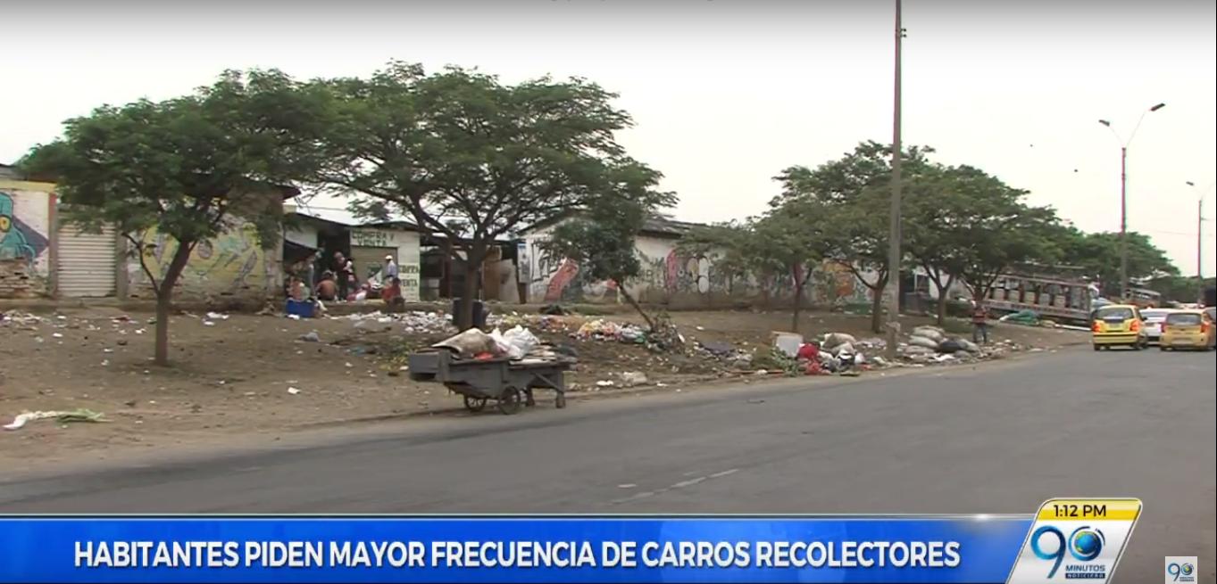 Vecinos de la galería Santa Elena se quejan por demoras en recolección de basuras