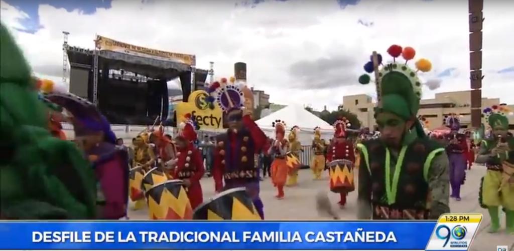 Con el Desfile de la Familia Castañeda, avanza el Carnaval de Negros y Blancos en Pasto
