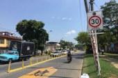 Secretaría de Movilidad instaló nuevas señales de tránsito en 15 colegios de Cali