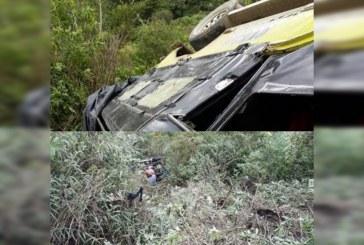 20 heridos dejó accidente de bus que cayó a un abismo en Inzá, Cauca