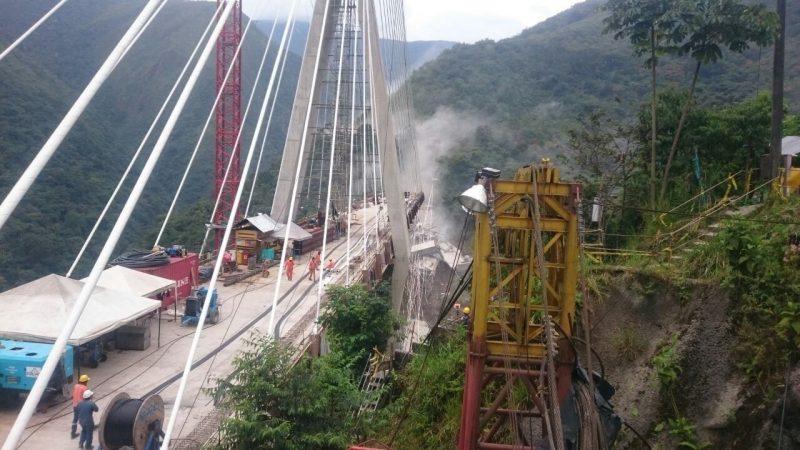 Al menos 9 muertos por desplome de puente en la vía Bogotá- Villavicencio