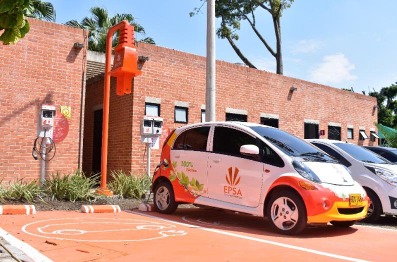 La primera estación de recarga para vehículos eléctricos ya está en Cali