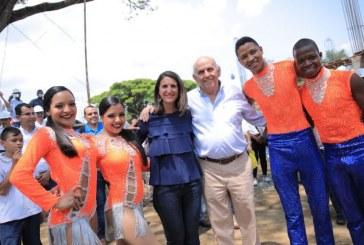 Ministra de Educación inauguró primer colegio oficial sostenible del país