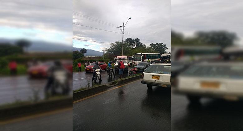 Accidente de tránsito en la vía Cali-Jamundí habría dejado dos personas heridas